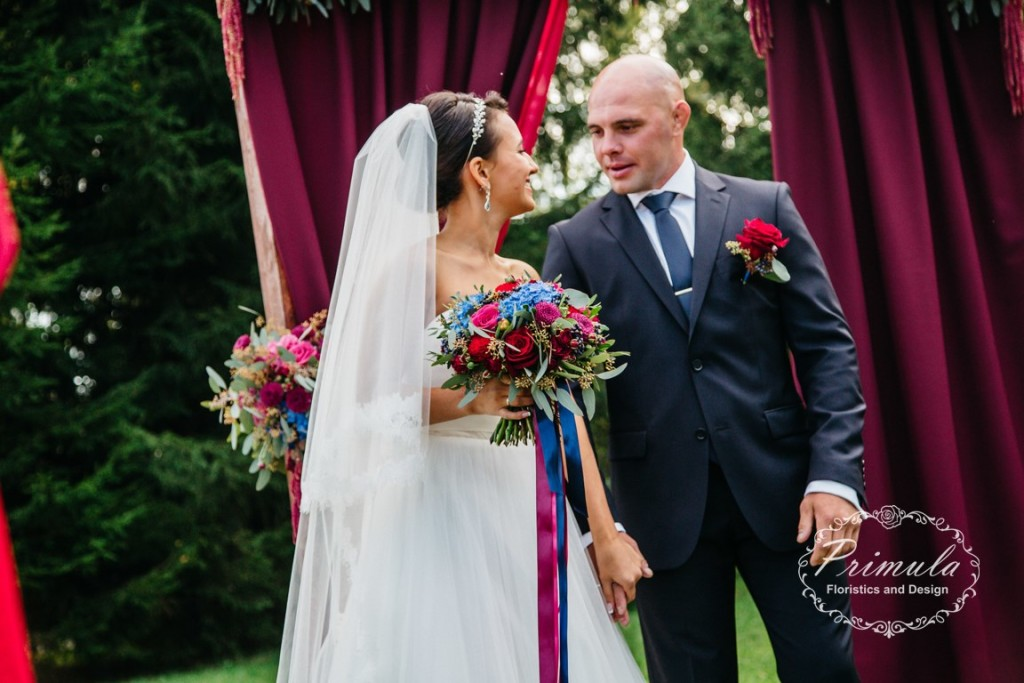 Оформление свадьбы, выездная регистрация в Горном Алтае